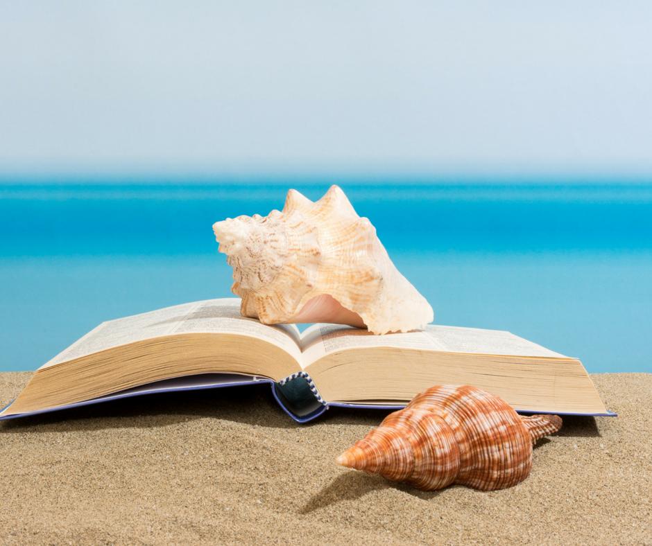 Un livre à la plage