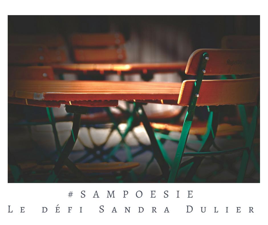 Que vous inspire cette photo ? A vos poèmes #Sampoésie. #chaise #backtoschool #septembre #pluie #café #poésie