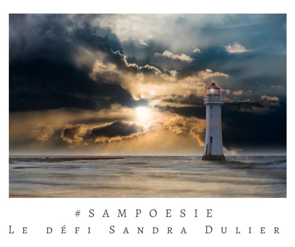 Que vous inspire cette photo ? A vos poèmes #Sampoésie. Phare, mer, soleil, nuages, écrire, poésie.